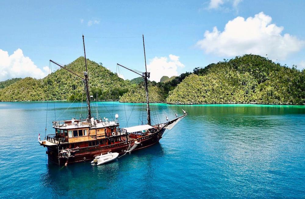 Raja Ampat luxury cruise